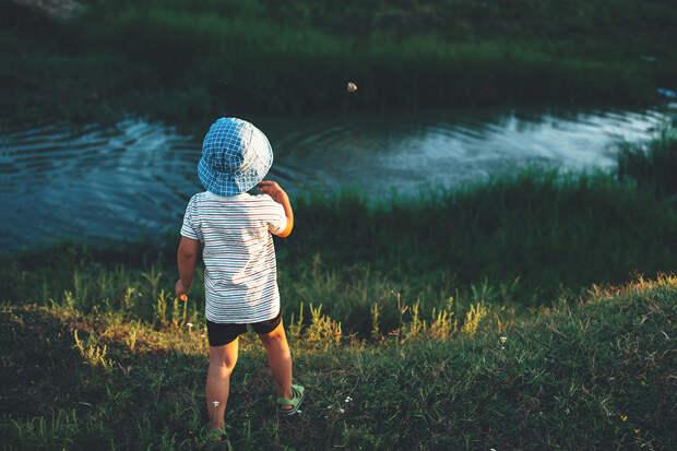 В Приморье был найден ребенок в тяжелом состоянии на озере Ханка