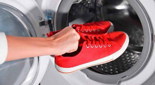 Как правильно стирать кроссовки в стиральной машине