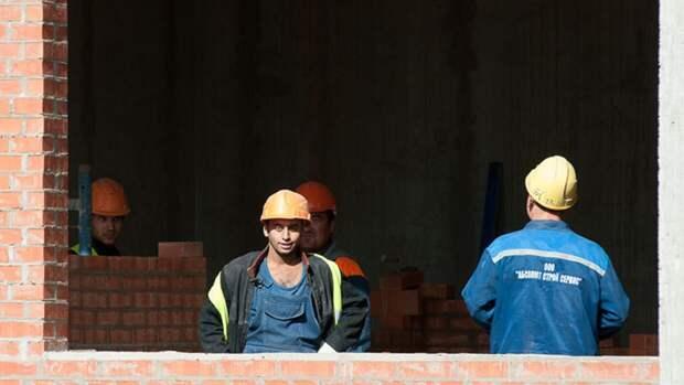 Правительство РФ прорабатывает упрощенный въезд трудовых мигрантов в страну