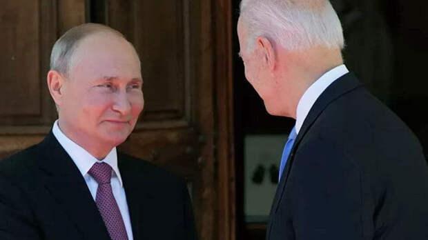 Курс рубля отреагировал на встречу Путина и Байдена