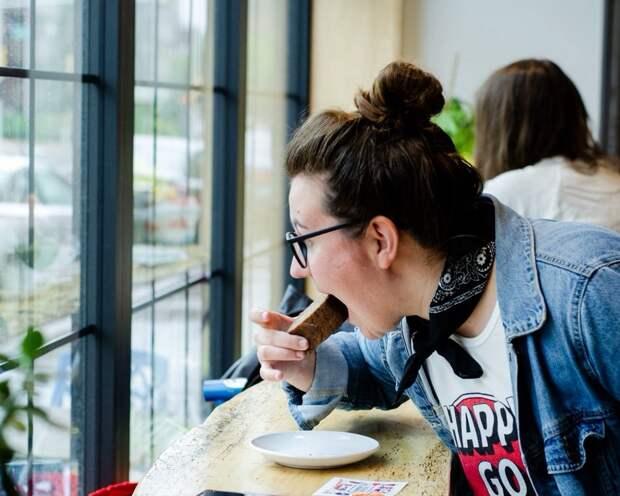 Психическое здоровье женщин сильнее зависит от еды