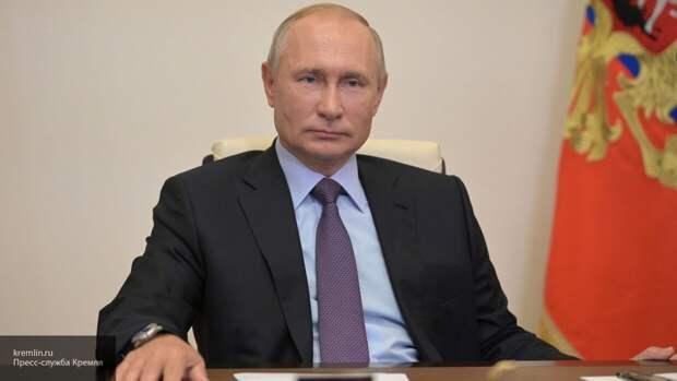 Путин поздравил российских десантников с 90-летием ВДВ
