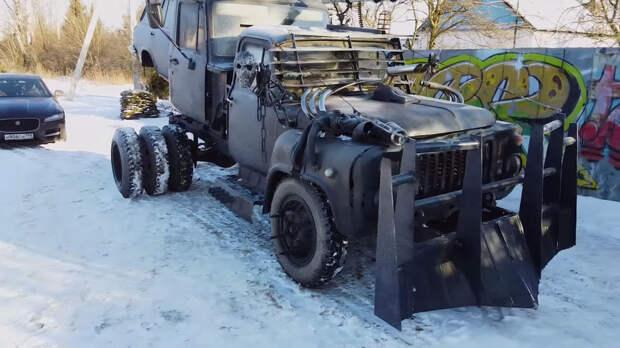 Умелец собрал безумный пепелац из двух грузовиков ГАЗ и кузова от ВАЗ-2104