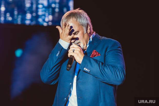Меладзе призвал артистов отказаться от ТВ-концертов на Новый год. «Может тогда люди заметят»