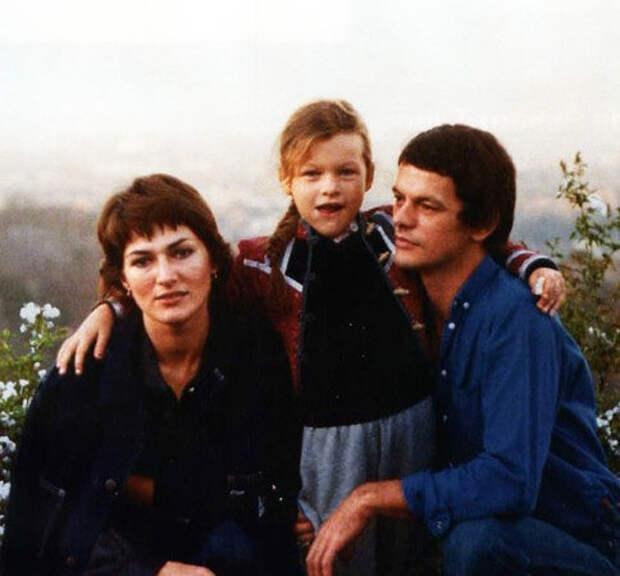 Галина Логинова с мужем Боги и дочерью Миллой (фото Pressa TV)