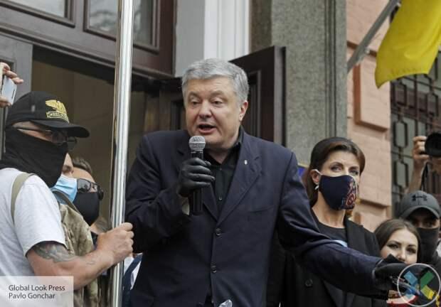 Петр Порошенко встретился во Львове с семьями жертв Революции Достоинства
