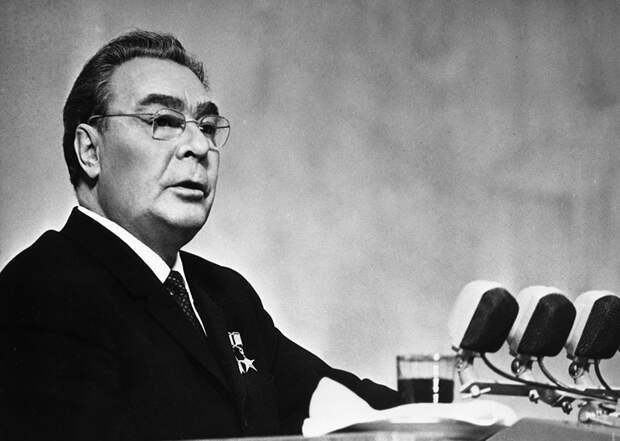 «Люди привыкли хорошо жить»: как Леонид Брежнев изменил Советский Союз