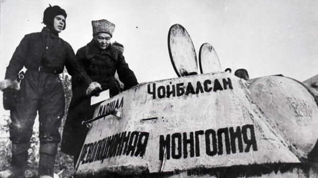 """Как США объявили """"помощью во спасение СССР"""" коммерческий контракт."""