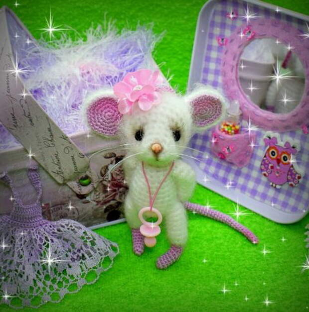 Озорной мышонок — символ 2020 года