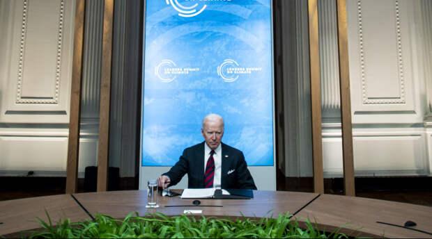 «Он улетел, но обещал вернуться»: Байден покинул саммит с мировыми лидерами прямо посреди встречи
