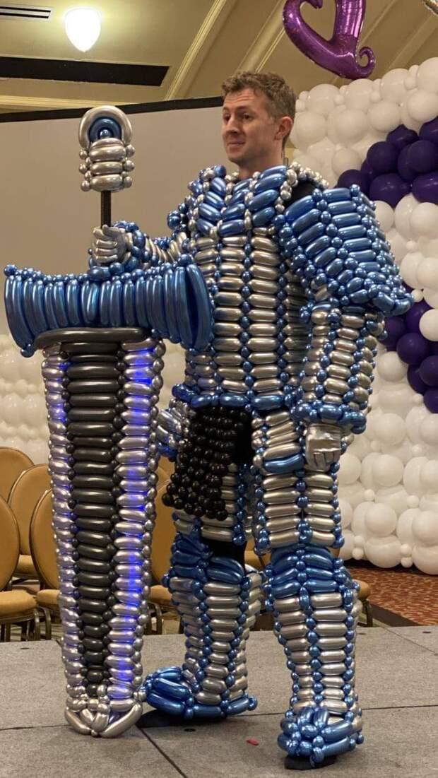 Костюм из надувных шариков