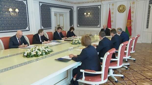 Лукашенко признал Крым российским, но...
