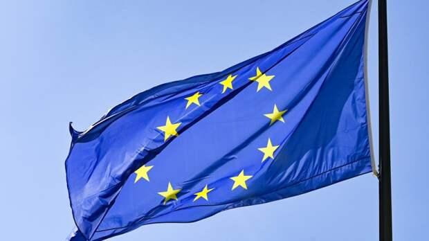 """Европарламент захотел построить в России """"демократическое общество"""""""