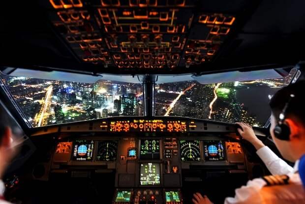 Автопилот может работать весь полет, но так никто не делает. /Фото: kasperskydaily.com