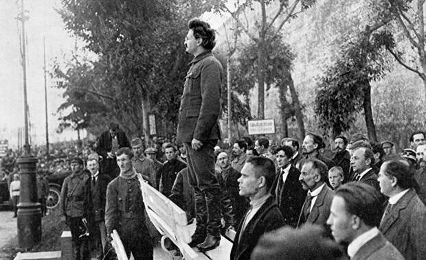 Троцкизм Ленина, как объективная реальность. Так с кем воевал Сталин?