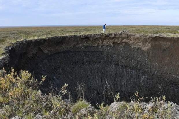 Как выглядят «внутренности» кратера в вечной мерзлоте