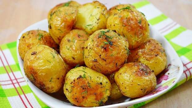 Молодая картошка в духовке