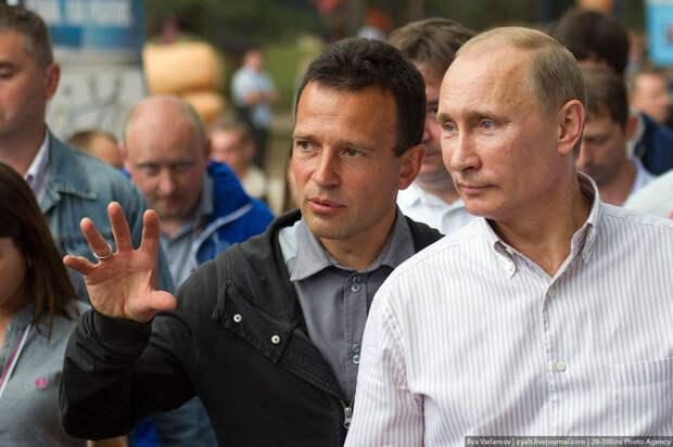 Почему - Владимир Путин и русский народ оказались в одной лодке ...
