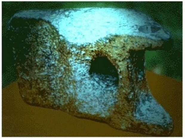 Алюминиевый артефакт из Аюда