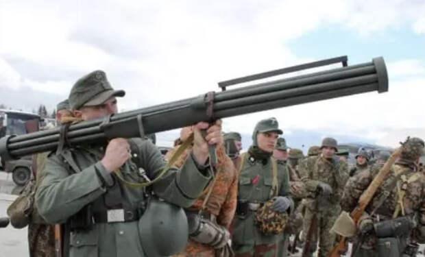 Дубинка разведчика и гранатомет-пулемет: необычное оружие Второй мировой