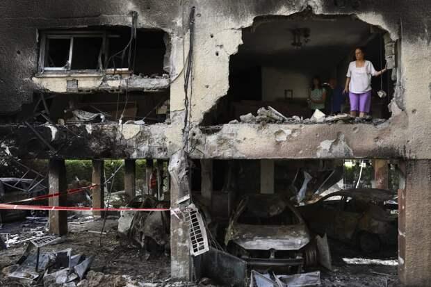 «Гречку здесь не скупают»: новосибирцы в Израиле спят в бомбоубежищах