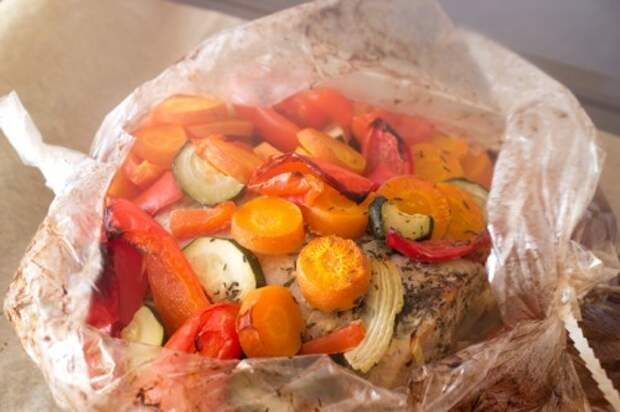 Свинина в рукаве: самые вкусные рецепты