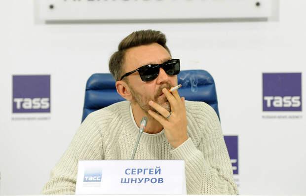 В Питере — пить, в ТАССе — курить. Шнуров анонсировал концерт в Москве
