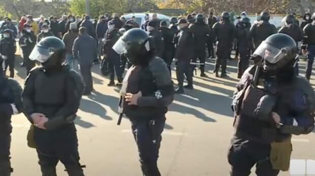 В Молдавии произошли столкновения оппозиции с полицией