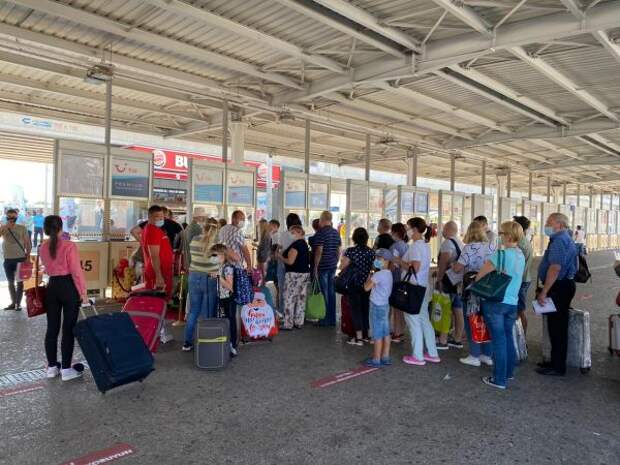 6,7 тысячи пассажиров вывезено изТурции вРоссию авиакомпаниями