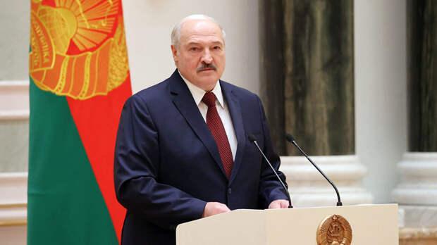 «Параллельно с американцами»: Лукашенко назвал условие проведения досрочных выборов в Белоруссии
