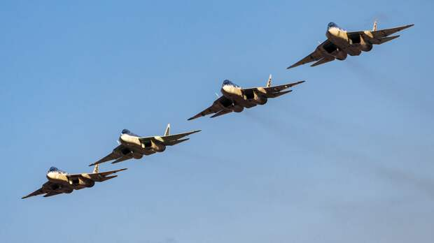 "Потенциал связки Су-57 и дрона ""Охотник"" впечатлил аналитика Forbes"