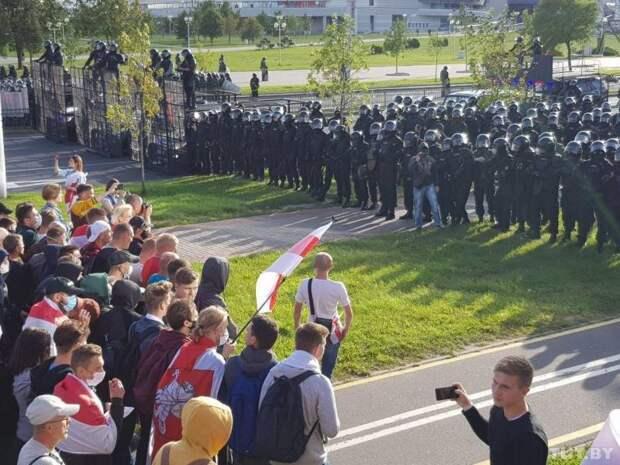 Американские СМИ: не лезьте в Белоруссию – вы поможете России аннексировать её
