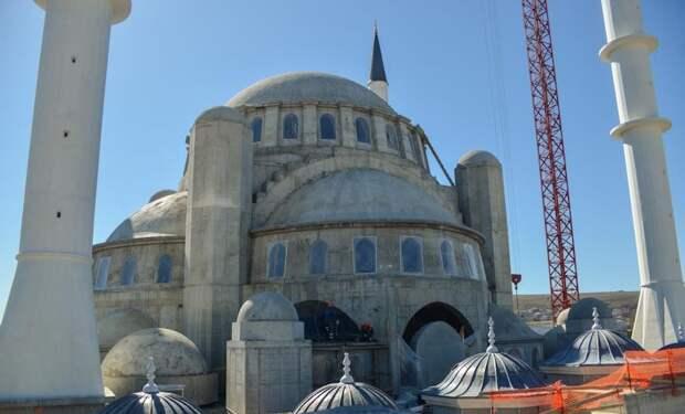 Возобновились работы по росписи соборной мечети в Крыму