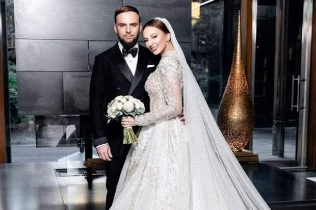 Что известно о муже певицы «Asti» Анны Дзюбы?