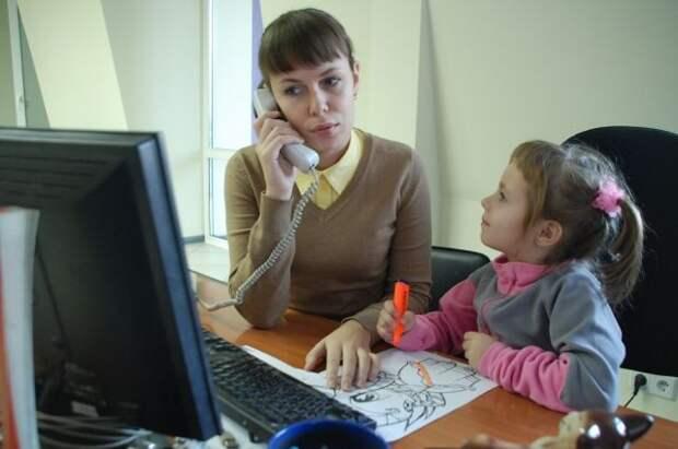 Россияне рассказали, за какую зарплату согласны трудиться без отпуска