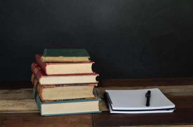 Сотрудник библиотеки № 21 поделился секретами писательского мастерства