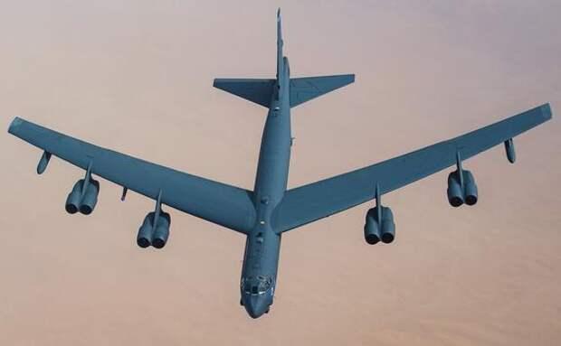 Портал 19FortyFive: ядерные бомбардировщики США В-52 «могут ненадолго остановить время и сдержать Россию»