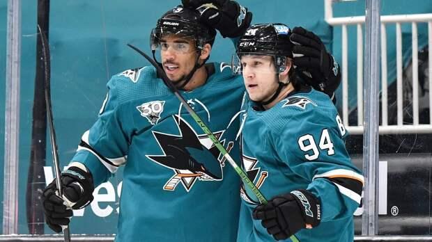 Барабанов уже заработал новый контракт в НХЛ? У него 4 очка в 4 матчах за «Сан-Хосе» и место в первой тройке