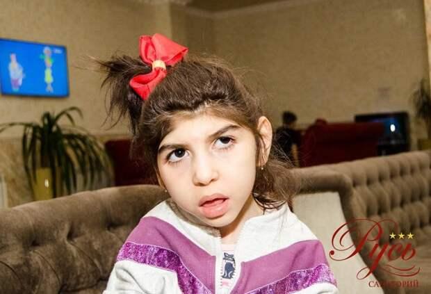 Семилетней Рианне из Краснодара нужна наша помощь