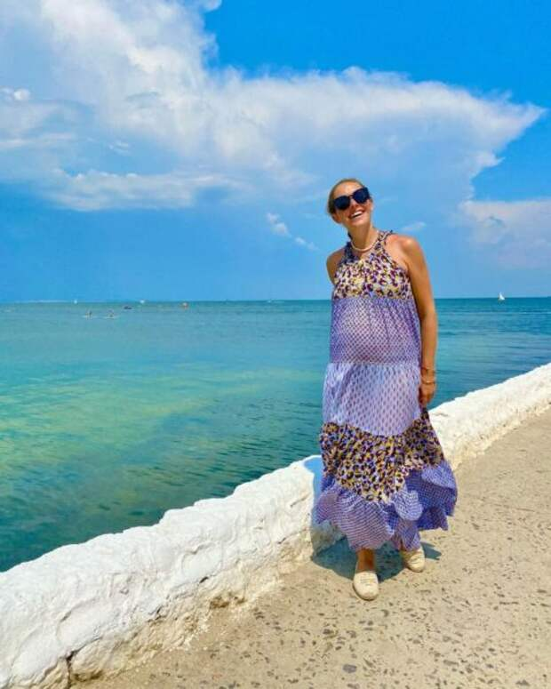 Беременная Екатерина Осадчая отправилась на море с Юрой Горбуновым