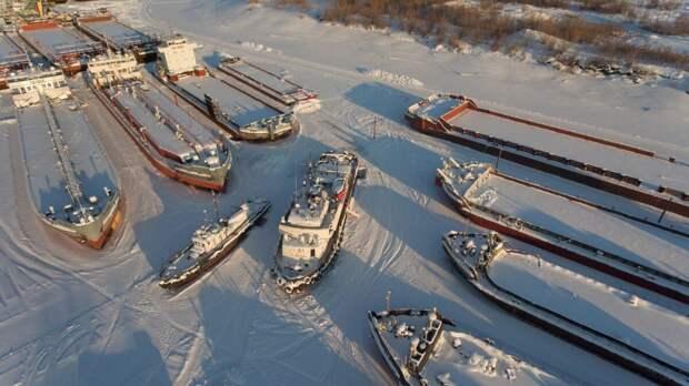 6 фактов про выморозчиков, которые прорубают тоннели во льду под теплоходами