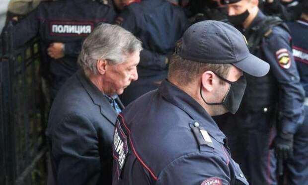 Ефремов остался доволен условиями содержания в карантинной камере