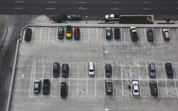В России вступает в силу закон о парковках