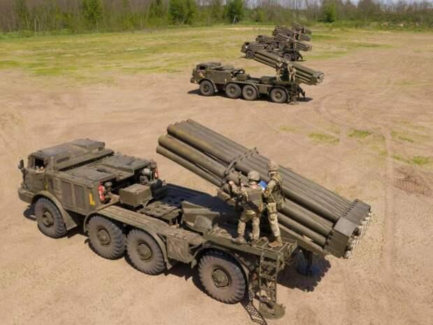 «В условиях, приближенных к боевым»: ВСУ провели учения РСЗО «Ураган» на границе с российским Крымом