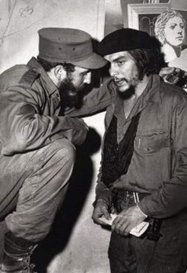 Кастро и ЧеГевара вГаване, 1962.