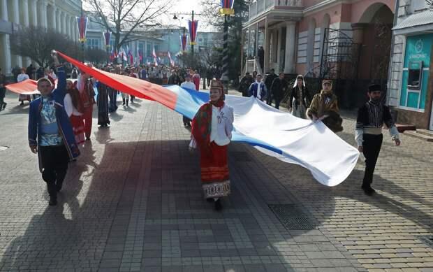 Аксёнов поздравил с Днём возрождения реабилитированных народов Крыма