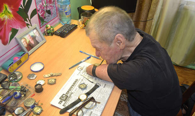 В Красноярском крае живет часовых дел мастер, не имеющий рук и ног