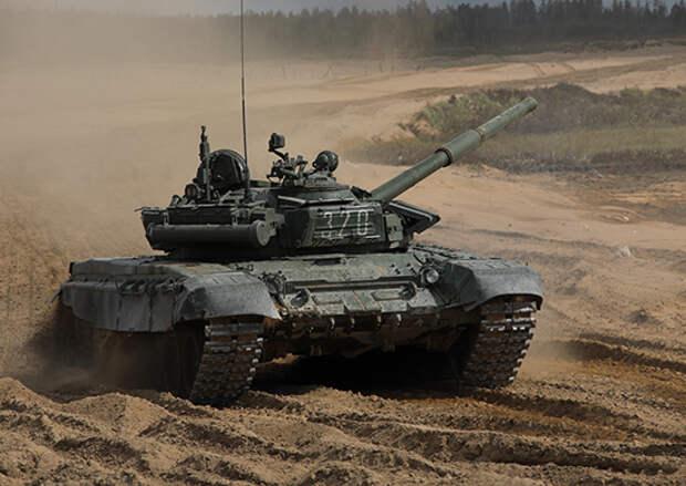 Военнослужащие по контракту ЗВО прошли  «обкатку танками» на базе центров подготовки младших специалистов