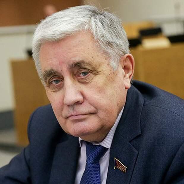 В Госдуме осудили политику правительства, снижающую доходы россиян
