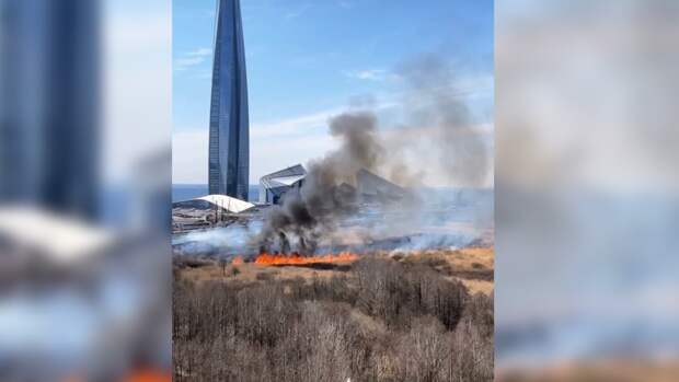 Напугавший петербуржцев пожар на Мебельной попал на видео